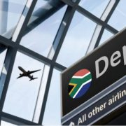 How many South Africans are selling up and emigrating in the second quarter?
